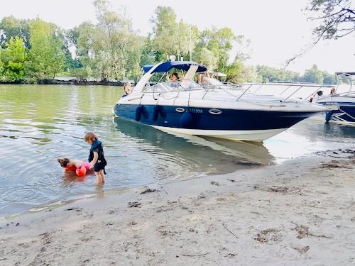 Führerschein machen und Boot mieten mit Familie am Main